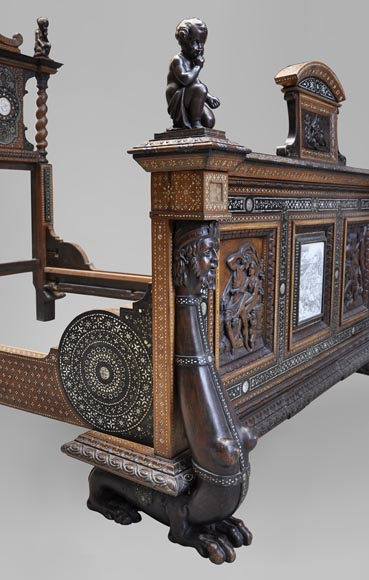 Ferdinando POGLIANI (att. to) - Rare Neo-Renaissance style bed made out of carved walnut and ebony veneer with ivory inlays-3