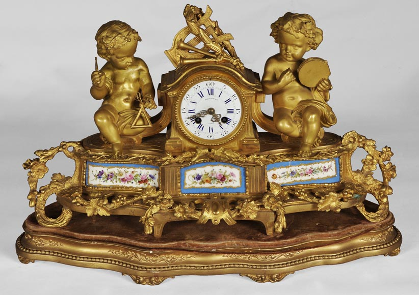 MIROY Frères - Beautiful antique clock with musicians putti -0