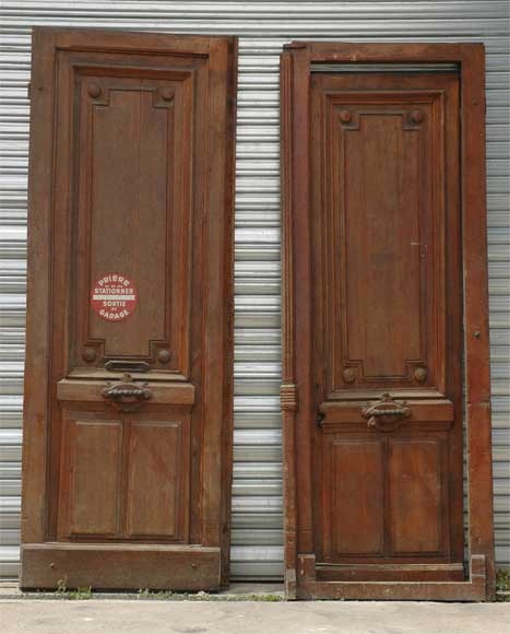 A pair of wooden monumental doors. -0