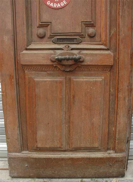 A pair of wooden monumental doors. -4