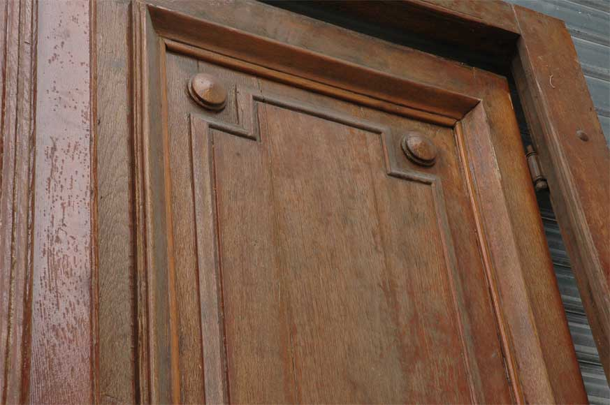 A pair of wooden monumental doors. -5