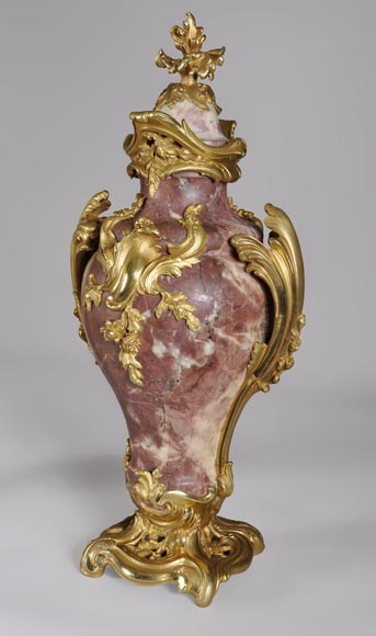Louis XV style pair of cassolets made out of Fleur de Pêcher marble and gilt bronze-1