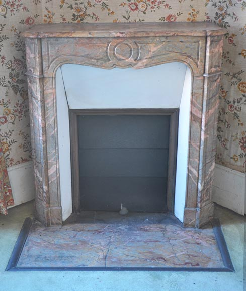 Antique Louis XV Pompadour fireplace made out of Rose Enjugerais marble - Reference 2146