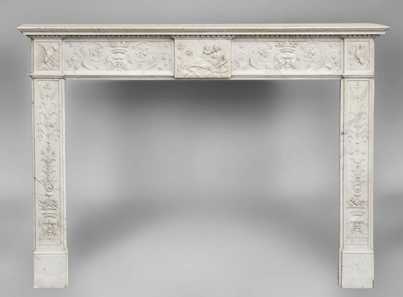 Exceptionnal antique Statuary Carrara marble fireplace decorated with grotesques-0