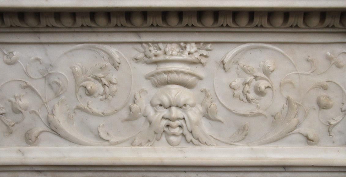 Exceptionnal antique Statuary Carrara marble fireplace decorated with grotesques-2