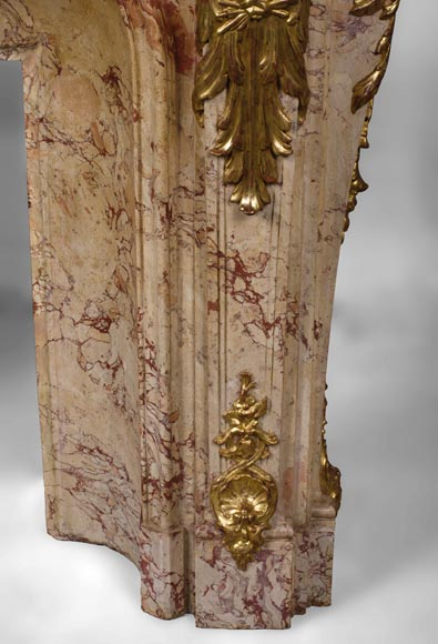 Prestigious antique fireplace in Scagliola as Sarrancolin Fantastico marble made after the fireplace of the Council Room at the Palace of Versailles-13