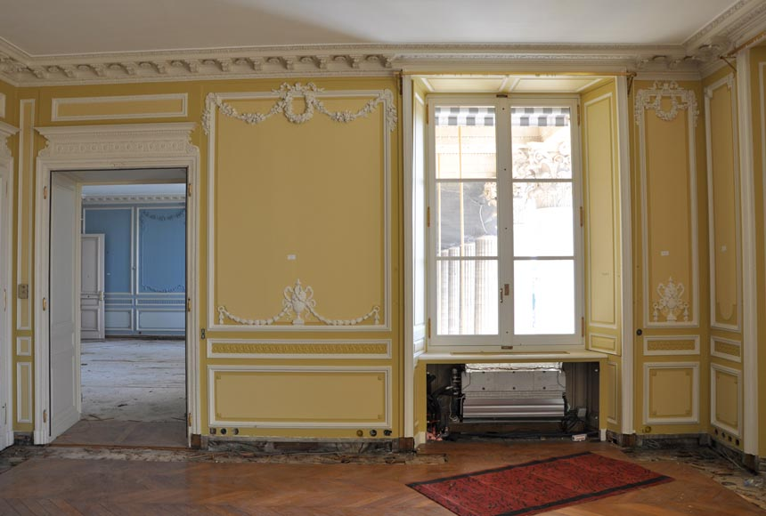 Very beautiful antique Louis XVI style paneled room coming from the Hotel de Crillon, Paris-3
