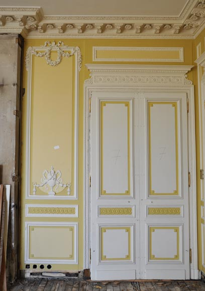 Very beautiful antique Louis XVI style paneled room coming from the Hotel de Crillon, Paris-9