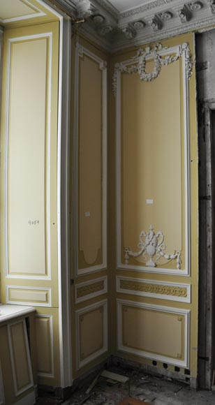 Very beautiful antique Louis XVI style paneled room coming from the Hotel de Crillon, Paris-13