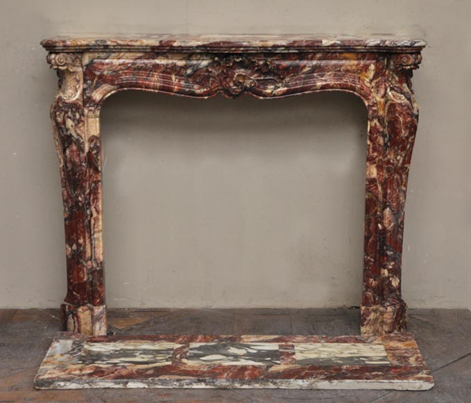 Veru beautiful and rare Louis XV style fireplace made out of Algerian Onyx (marble) - Reference 2451