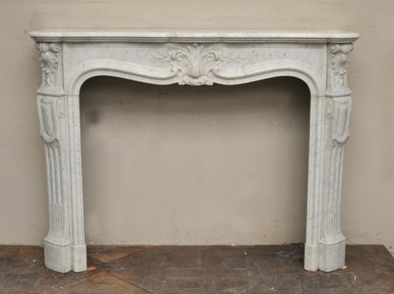 Beautiful antique Louis XV style fireplace with flowers decoration in Carrara marble - Reference 2463