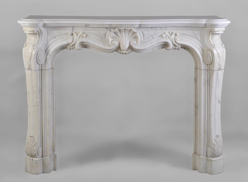 Beautiful antique Louis XV Semi-Statuary Carrara marble fireplace - Reference 2482