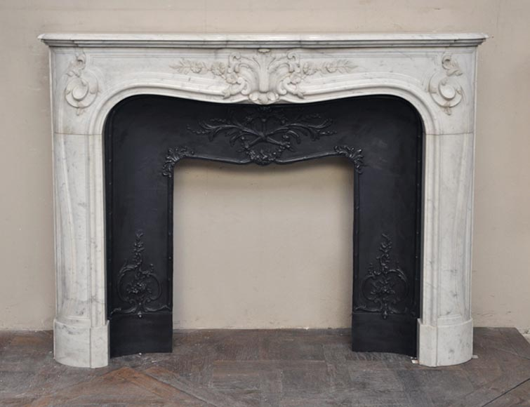 Beautiful antique Regence style fireplace with foliated decor in white Carrara marble-0