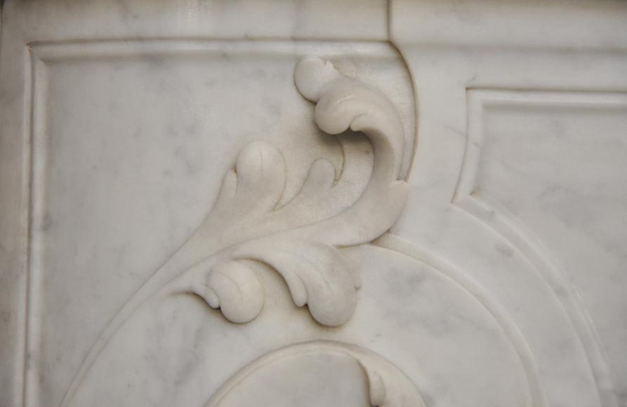 Beautiful antique Regence style fireplace with foliated decor in white Carrara marble-6