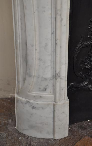 Beautiful antique Regence style fireplace with foliated decor in white Carrara marble-7