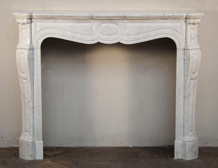 Antique Pompadour fireplace made out of white Carrara marble - Reference 2515