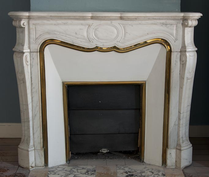 Antique Pompadour style curved fireplace made out of white Carrara marble - Reference 2540