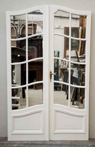 One interior double doors with mirrors-0