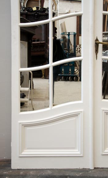 One interior double doors with mirrors-2
