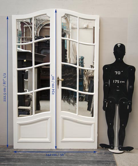 One interior double doors with mirrors-8