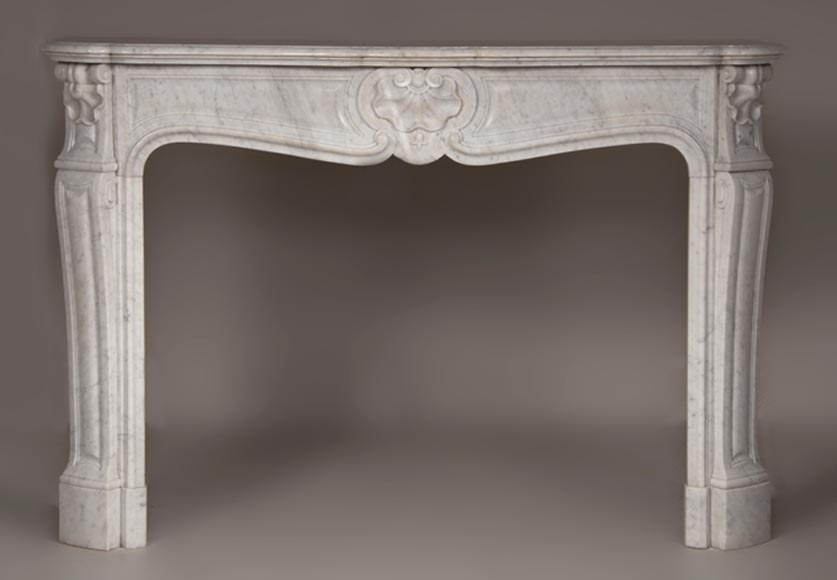 Antique Louis XV style three shells fireplace made out of Carrara marble - Reference 2596