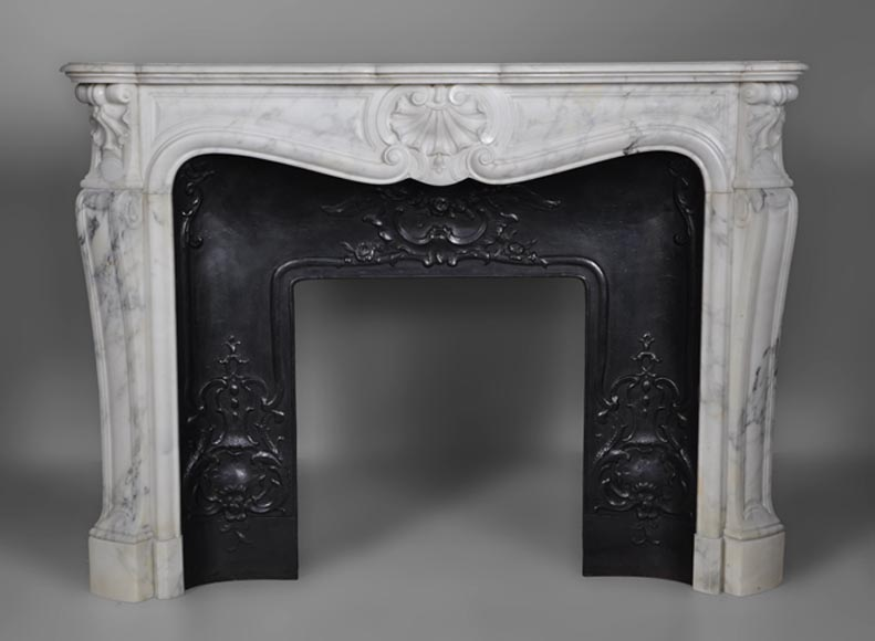Beautiful antique Louis XV style three shells fireplace made out of Arabescato marble with cast iron insert - Reference 2638