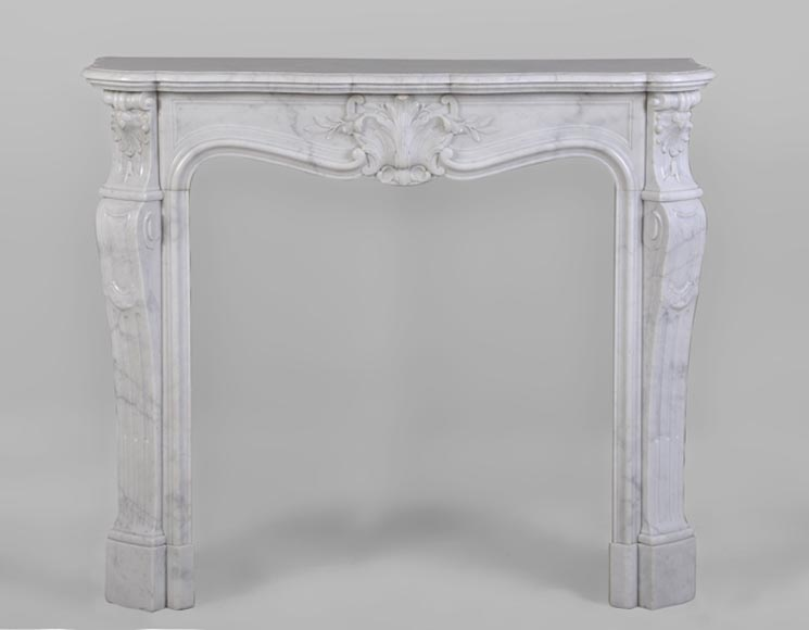Beautiful antique Louis XV style fireplace made out of Carrara marble with foliaged shells decor - Reference 2674