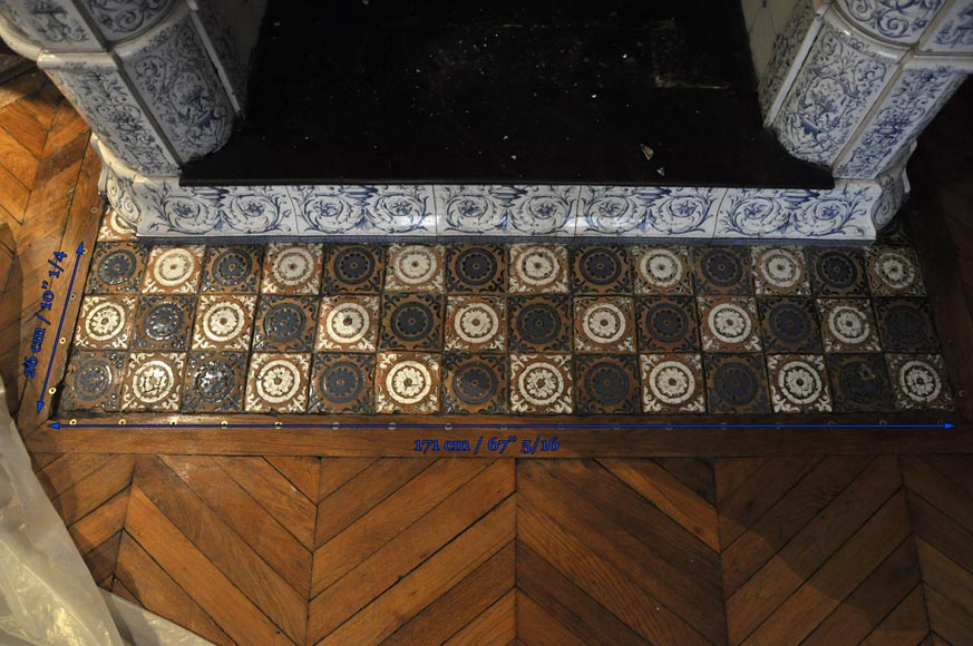 Large antique stove with bleu decor enamels on white background-16