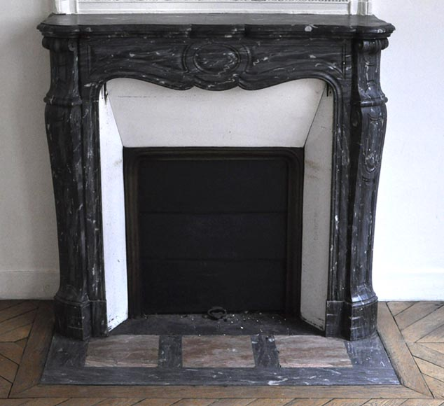 Antique Pompadour Louis XV style fireplace made out of Grey veined marble - Reference 2704