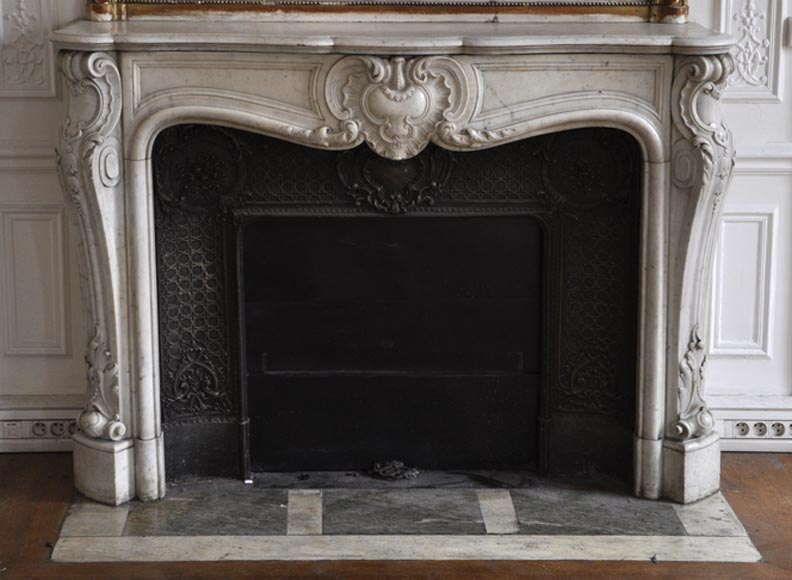 Very beautiful antique Louis XV style fireplace made out of Carrara marble with cast iron insert - Reference 2705