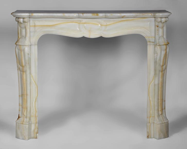 Beautiful antique Pompadour style fireplace made out of Onyx - Reference 2774