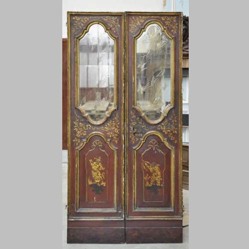 Beautiful Antique Double Door With Chinese Style Decor