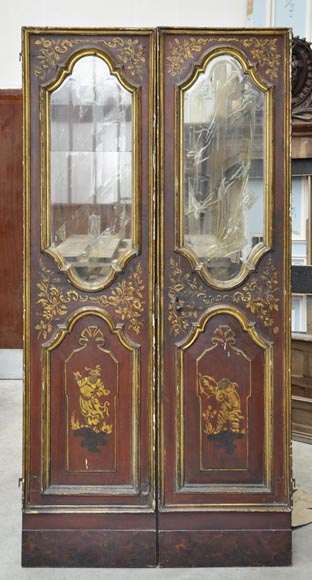 Beautiful antique double door with chinese style decor-0