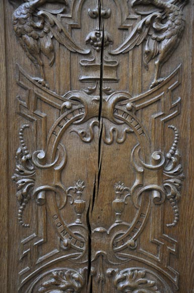 False pair of antique  carved oak doors from the 19th century-6
