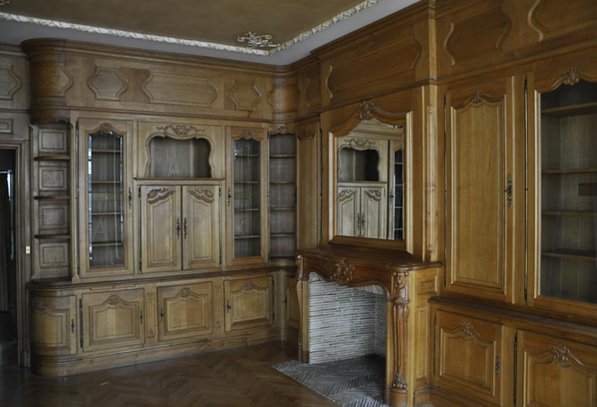 Louis XV style paneled room with its fireplace made out of carved oak - Reference 2899