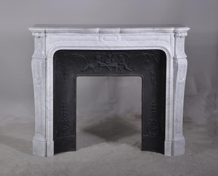 Pompadour mantel with Putti playing cards in Carrare marble  - Reference 2932