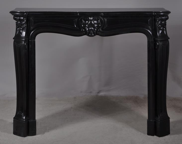 """Three shell"" fireplace in Belgium Black marble - Reference 2957"