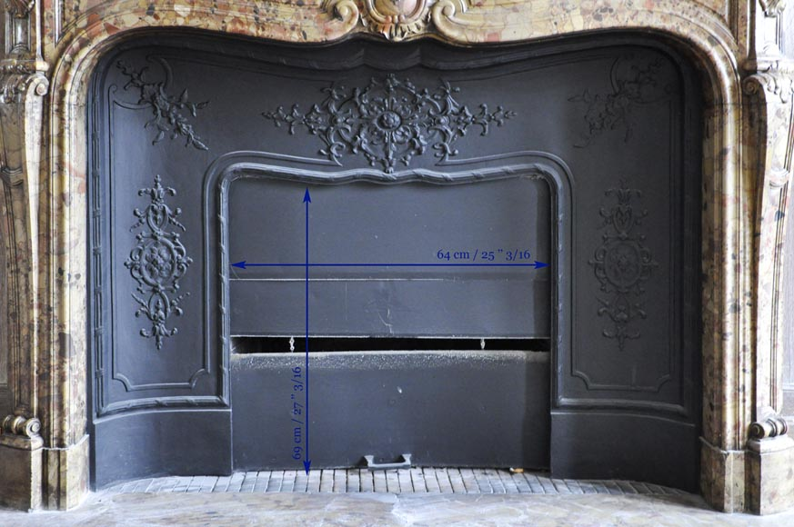 Beautiful antique Louis XV period fireplace in Breche d'Alep marble decorated with a cartouche and a cast iron insert-10