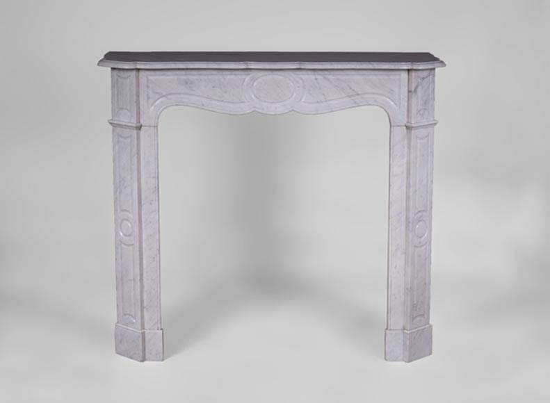 Antique Pompadour mantel, flat model, in white Carrara marble - Reference 3080