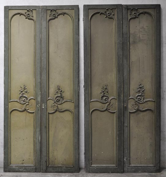 Great Two Louis XV Style Double Doors With Shells Decor In Carved Wood