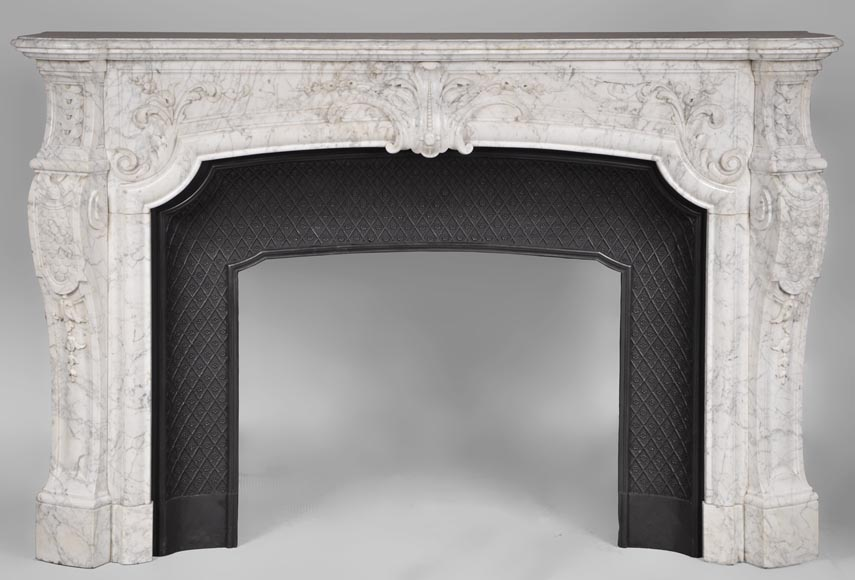 Very beautiful and important antique Regence style fireplace in white veined Carrara marble, 19th century-0