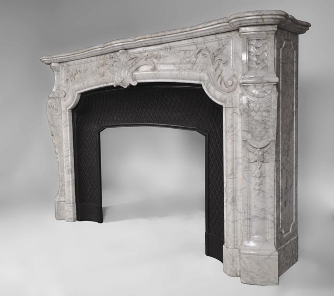 Very beautiful and important antique Regence style fireplace in white veined Carrara marble, 19th century-6