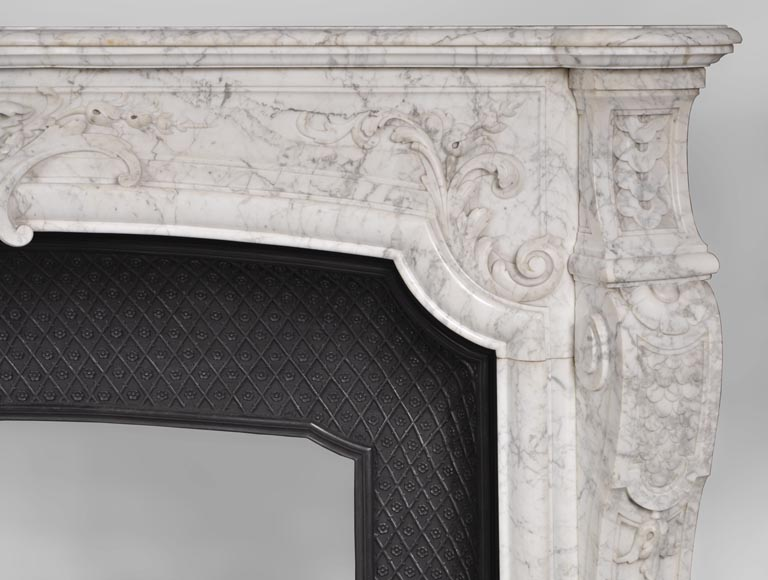 Very beautiful and important antique Regence style fireplace in white veined Carrara marble, 19th century-7