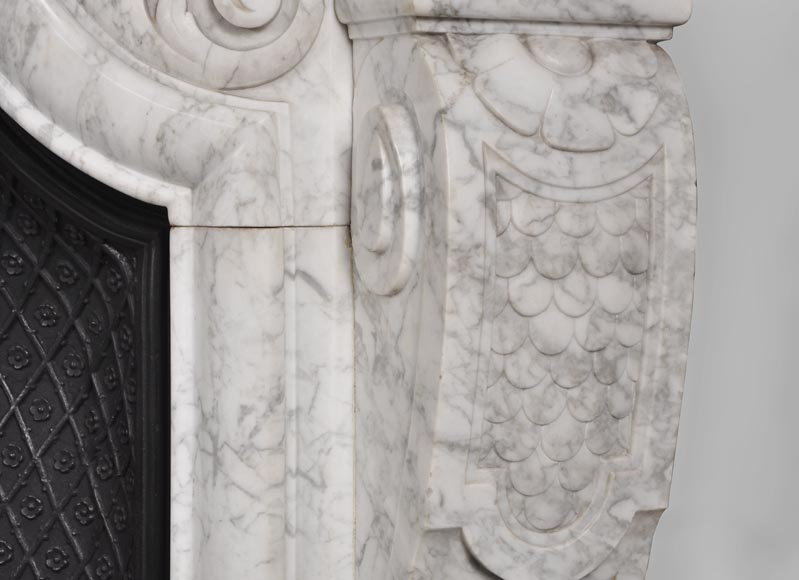 Very beautiful and important antique Regence style fireplace in white veined Carrara marble, 19th century-10