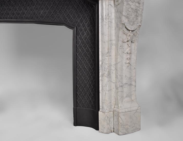 Very beautiful and important antique Regence style fireplace in white veined Carrara marble, 19th century-11