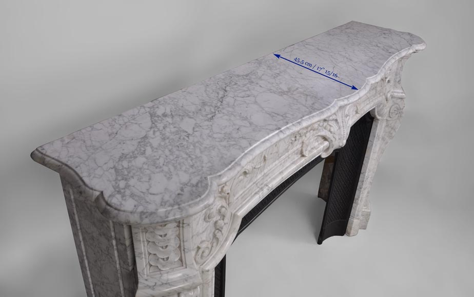Very beautiful and important antique Regence style fireplace in white veined Carrara marble, 19th century-13