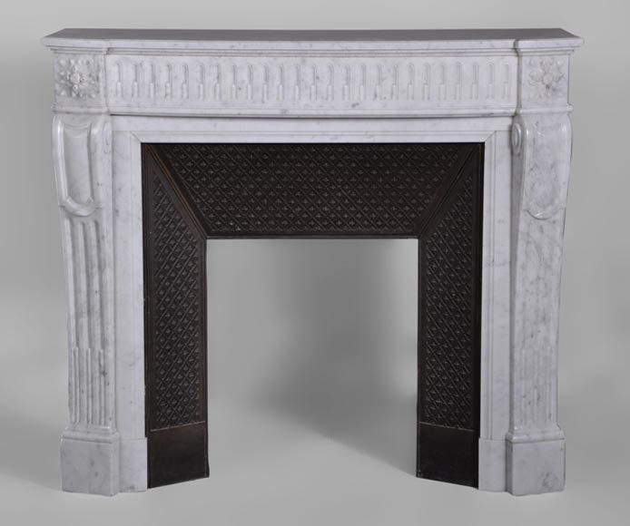 Small antique Louis XVI style fireplace with flutings decor in white Carrara marble with curved frieze - Reference 3098