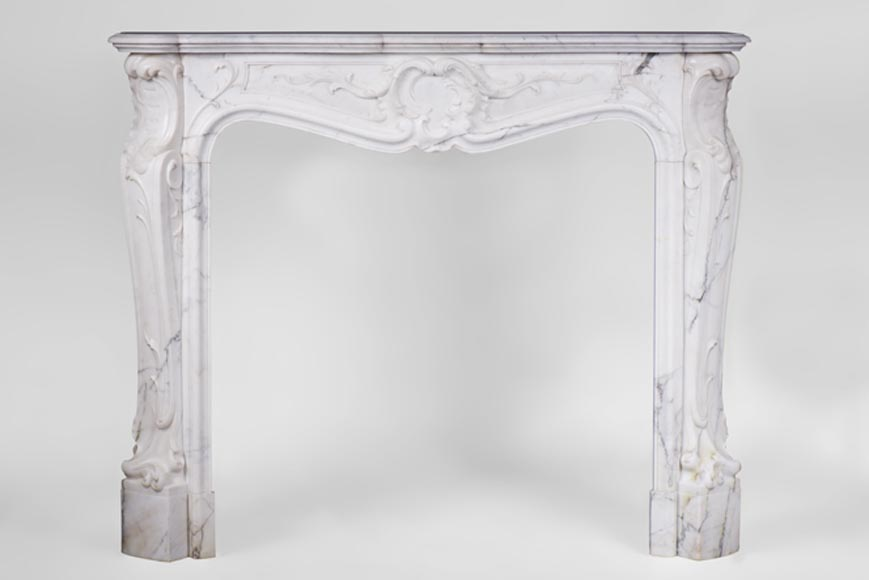 Elegant antique Louis XV Style fireplace in Arabescato white marble with Rococo motifs, 19th century - Reference 3123