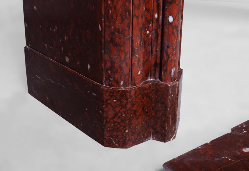 Antique Louis XIV style fireplace in Red Griotte marble with its cast iron insert-4