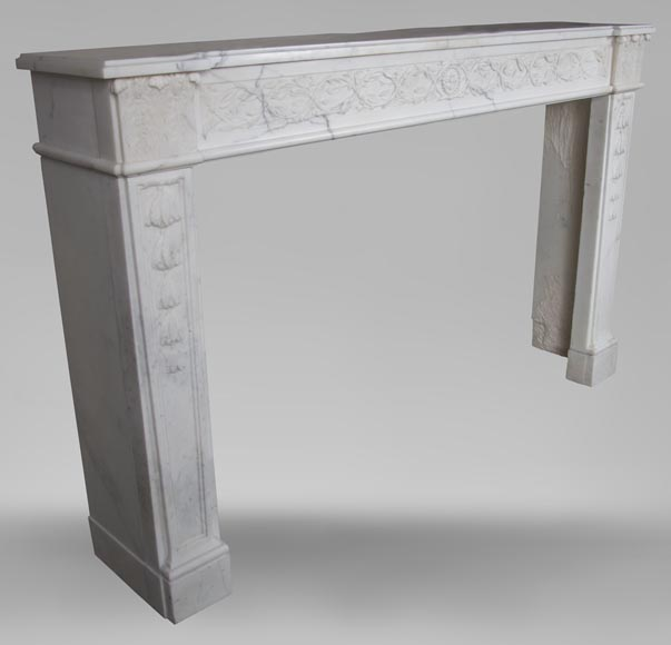 An antique Louis XVI fireplace, made out of veiné-statuary marble-4
